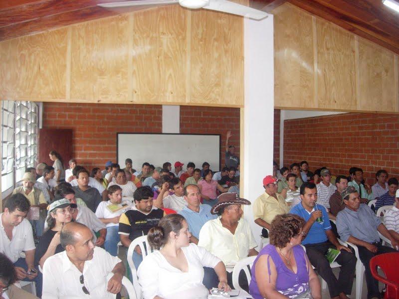 https://altermediaparaguay.blogia.com/upload/externo-8faf1d12fad90c1075ef544269144b0f.jpg